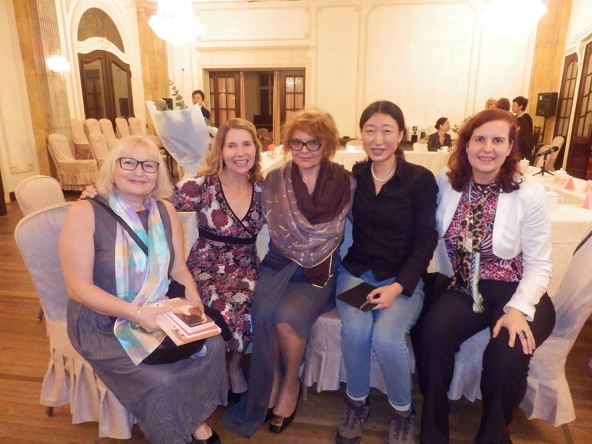 writers Edna Shemesh, Jennifer Haigh, Malgorzata Budzynska, Sun Wei and Núria Añó